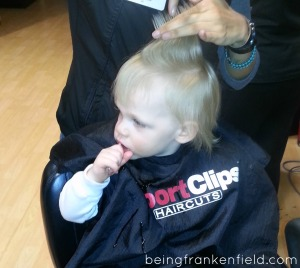 Toddler first haircut with a dum-dum